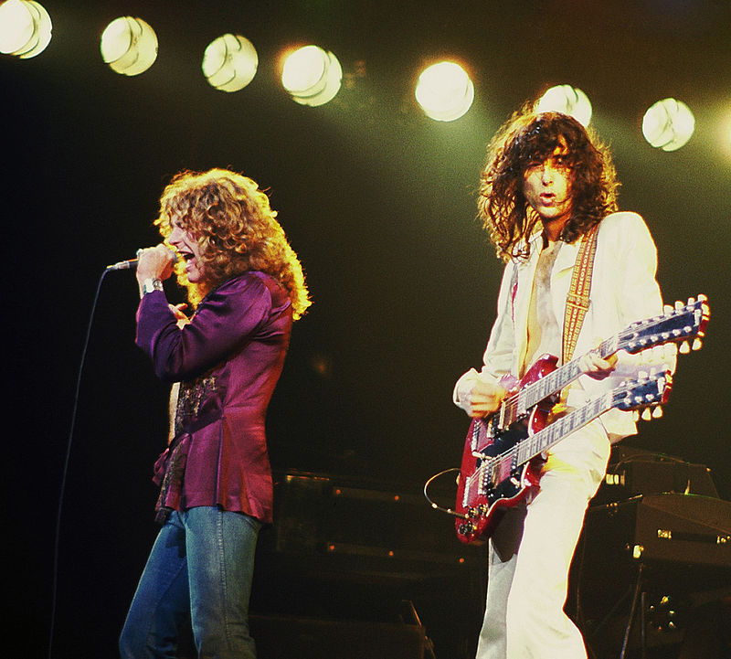 800px-Jimmy_Page_with_Robert_Plant_2_-_Led_Zeppelin_-_1977