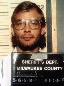 Jeffrey_Dahmer_Sheriffs_1991_mugshot